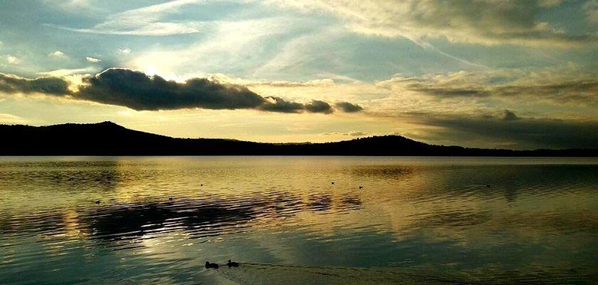 Il lago di Viverone [Photo credit: Gerdmuller13]