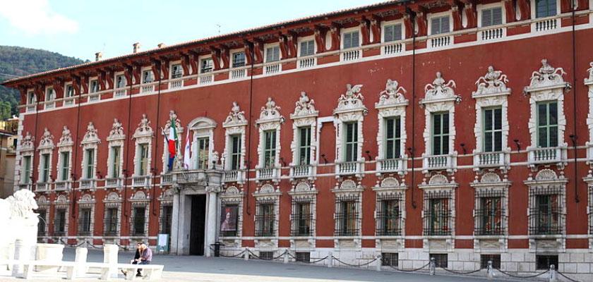 Le tappe della Via Vandelli. Il palazzo ducale di Massa
